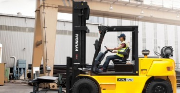 Hyundai-Internal-Combustion-Forklift-7-Series-70L-7A