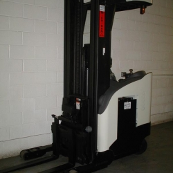 Forklift-Crown-Reach-4000-electric